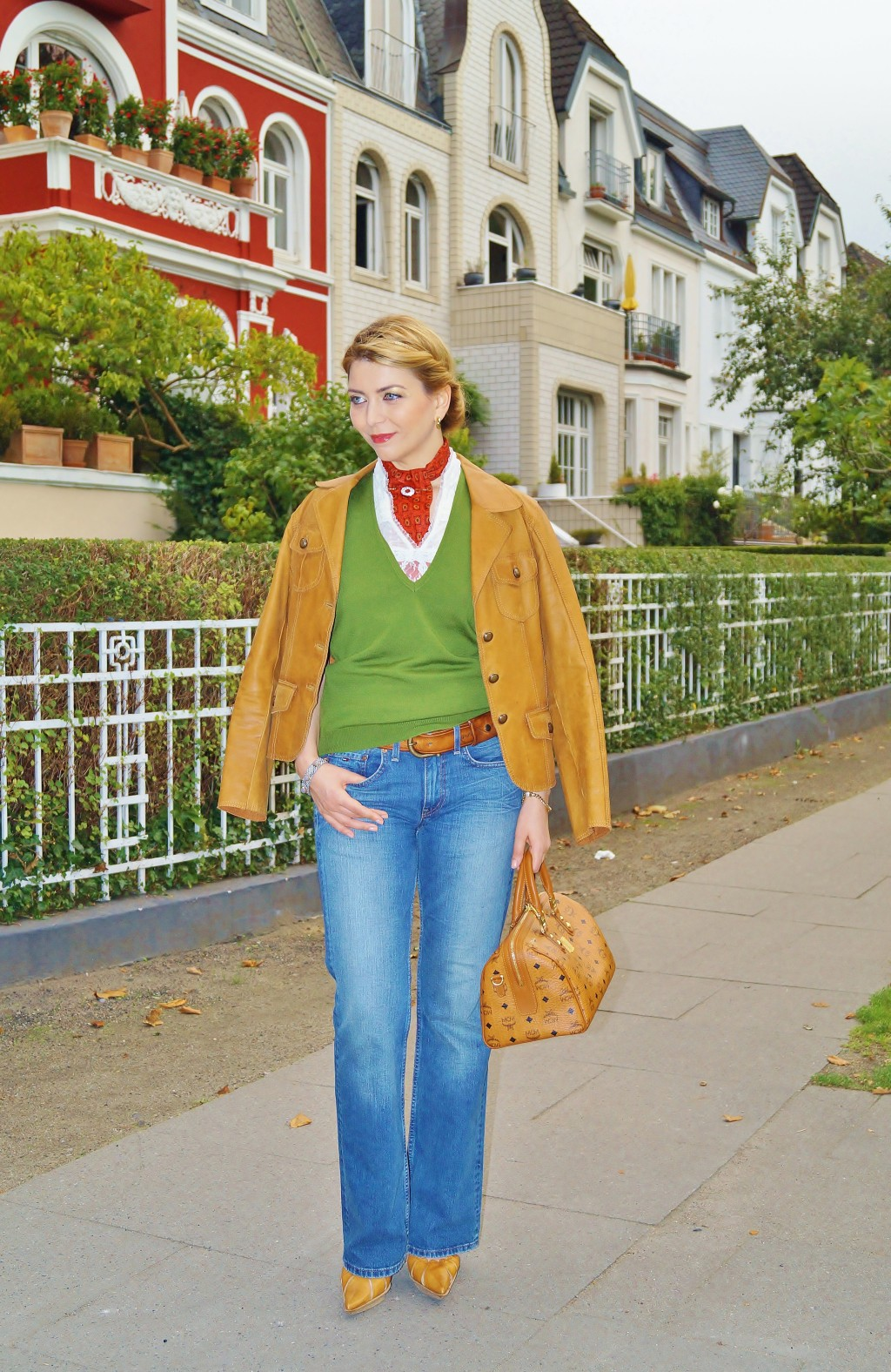 Der Herbst gibt den Ton an: Cognac Leder-Jacke
