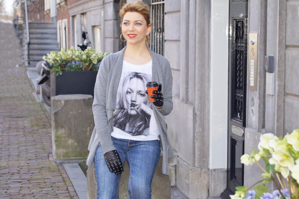 Kaschmir Cardigan und Printshirt