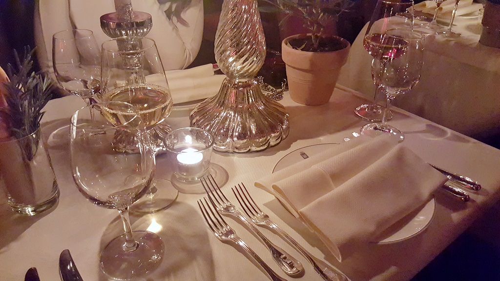 Apéro and Welcome Dinner Look – Gstaad (8)