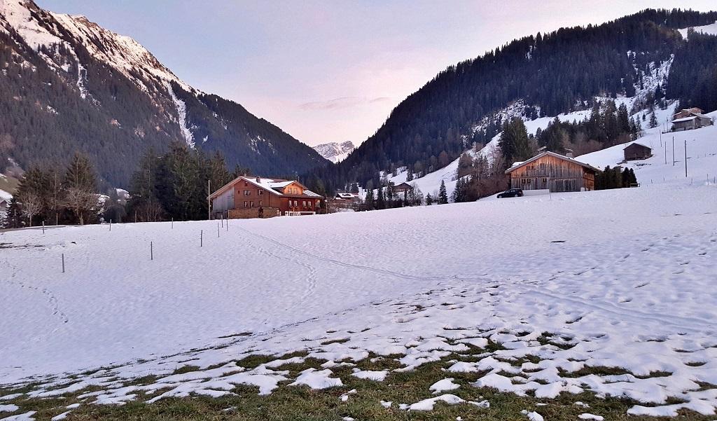 Frühstück mit Alpen - Gstaad