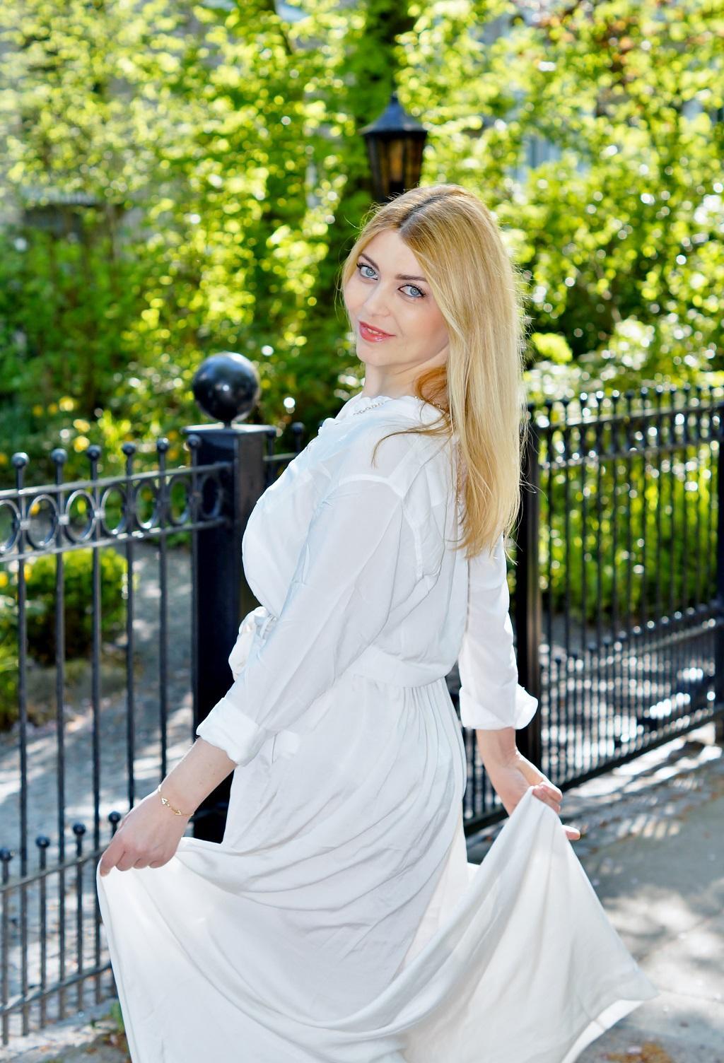 White & Maxi - Yuliya Savytska