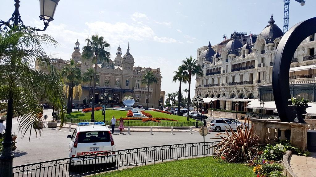 monte-carlo-cars-and-coffee-2