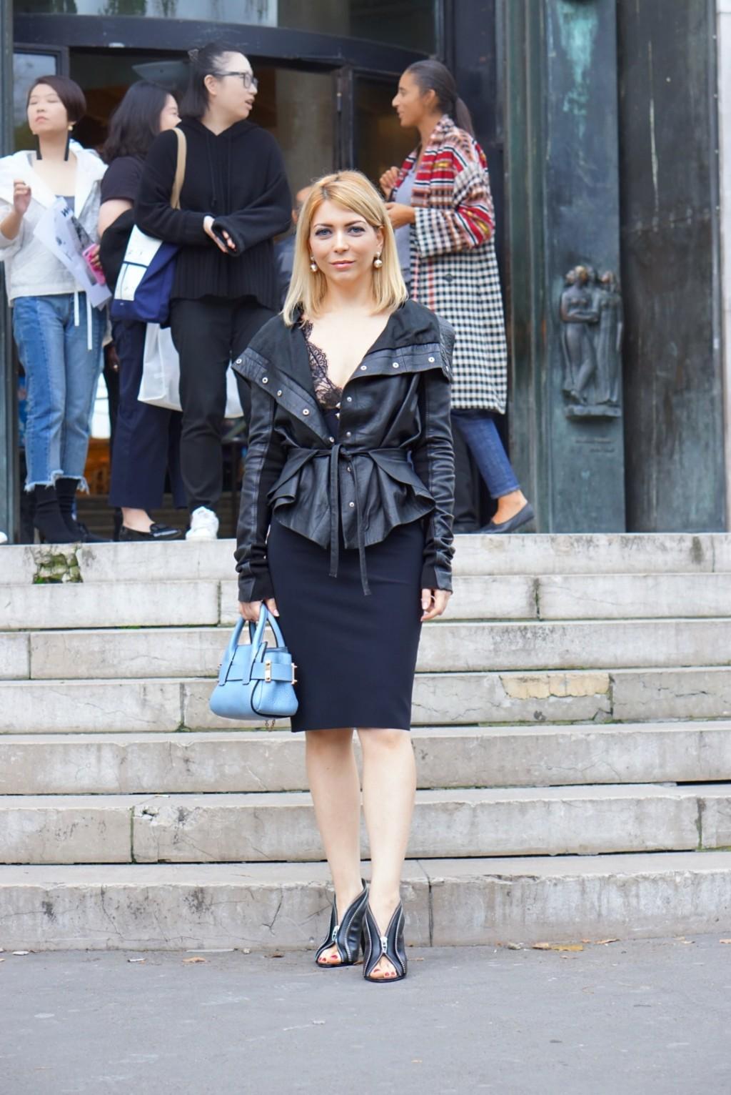 Yuliya Savytska at Andrew GN SS18 - #jolimentblogxpfw