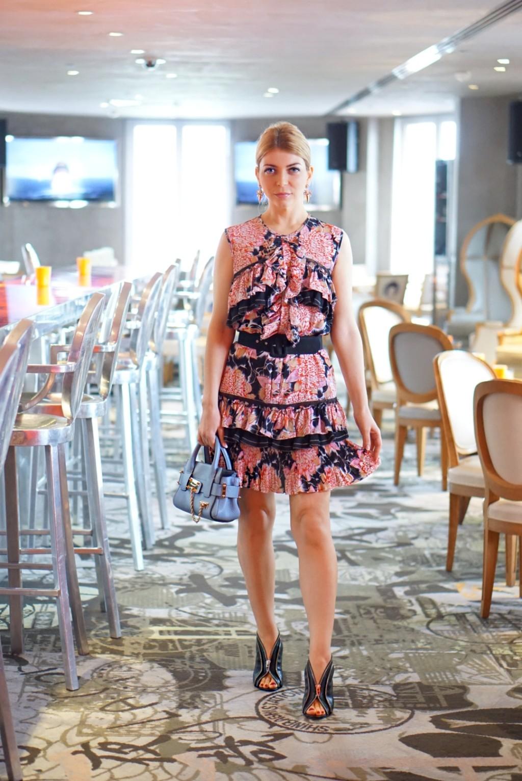 Yuliya Savytska in Kong Paris, Lunch in KONG à la Carrie Bradshaw - #jolimentblogxpfw