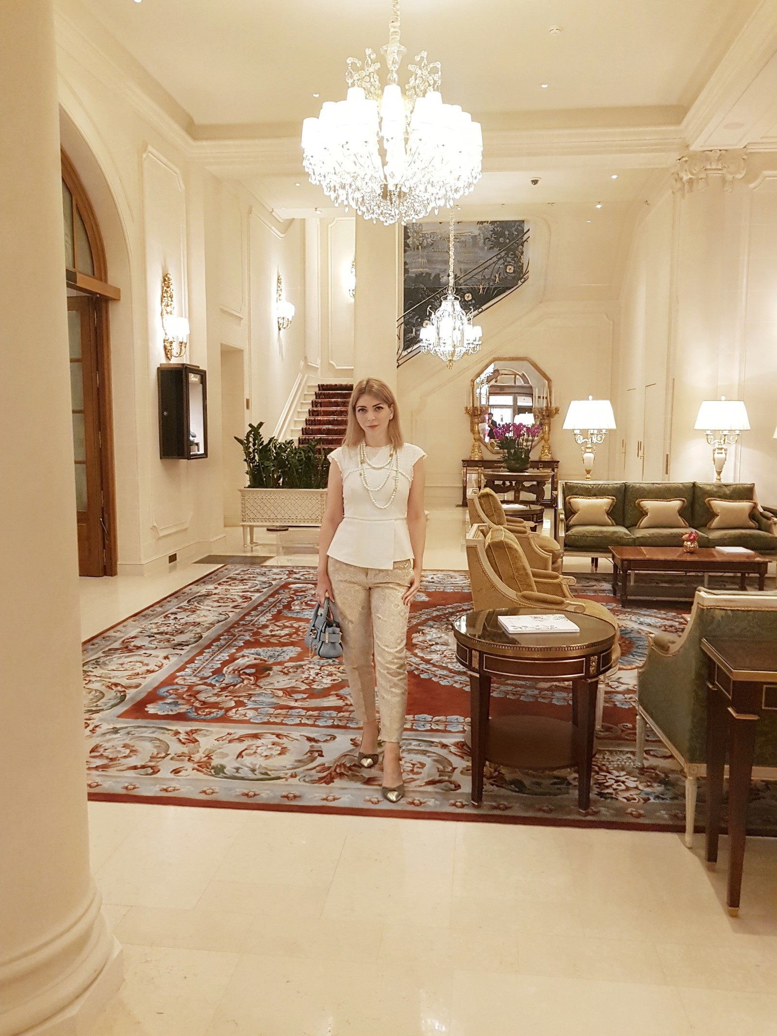 Yuliya Savytska at Brunch in Ritz Paris