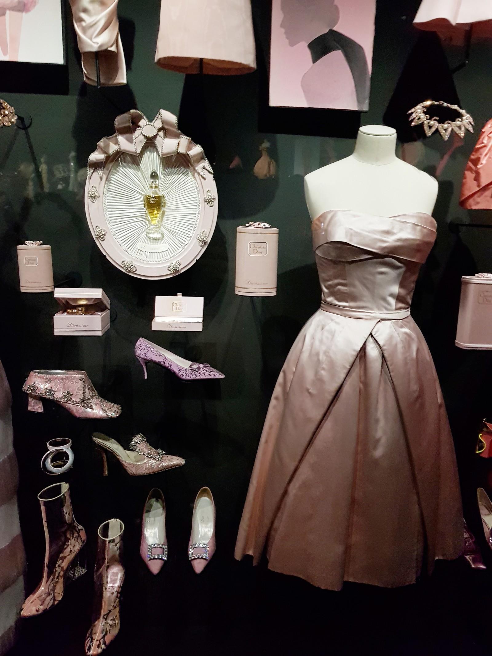 Yuliya Savytska at Christian Dior, couturier du rêve Exposition